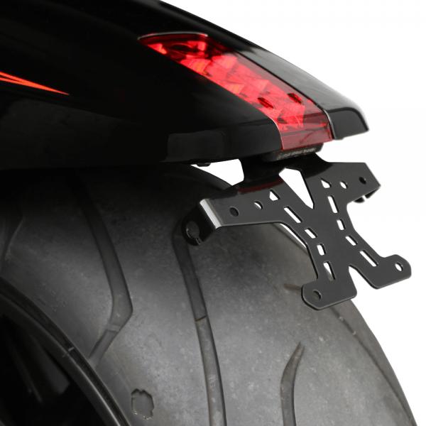 kurzer mittiger Kennzeichenhalter mit BH Harley Davidson V-Rod / Night-Rod Bj. 2012-2017