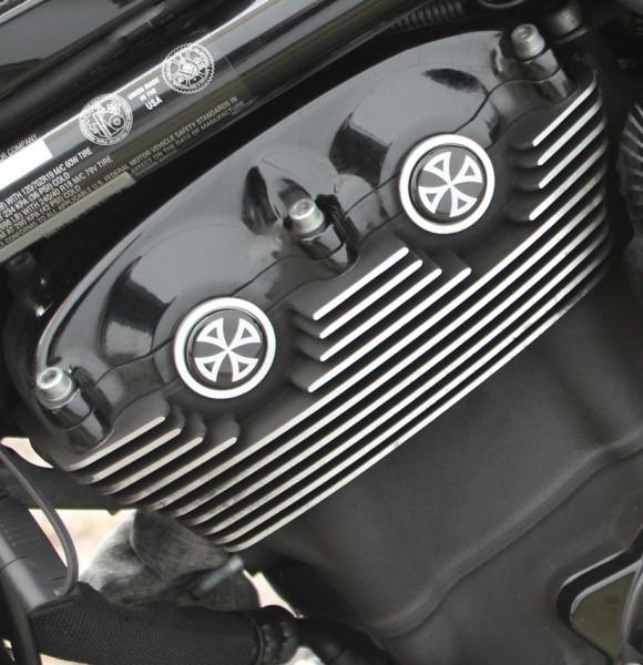 """""""IRON OPTICS"""" Cam-/ Nockenwellen Cover 3D für Harley Davidson V-Rod Modelle / Kreuz Weiß"""