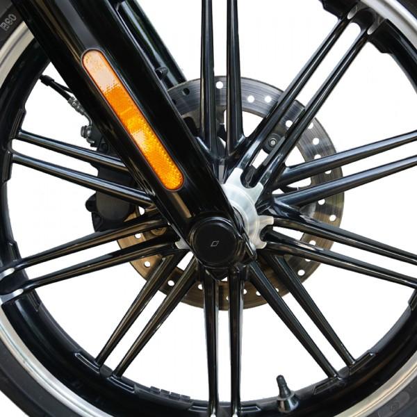 """""""IRON OPTICS"""" Front Achsen Cover für Harley Davidson Softail Modelle ab Bj. 2018"""